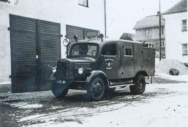 FF Chronik_175 (2)_Auto 1949.jpg