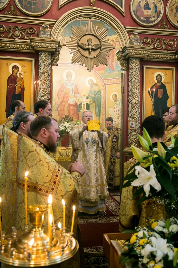 Архиерейское служение в храме апостола и евангелиста Луки