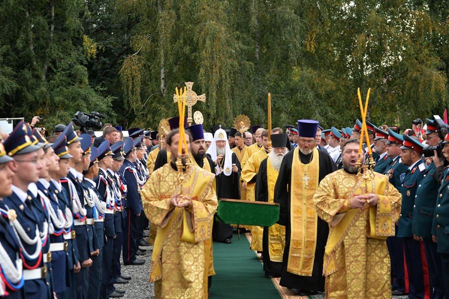 Перенесение мощей святителя Макария (Невского)