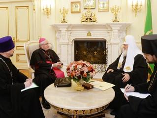 Святейший Патриарх Кирилл принял в своей резиденции нового Апостольского нунция в России