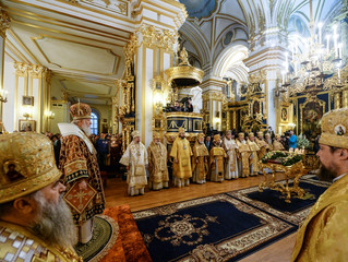 Святейший Патриарх Кирилл совершил Божественную литургию в Николо-Богоявленском морском соборе Санкт
