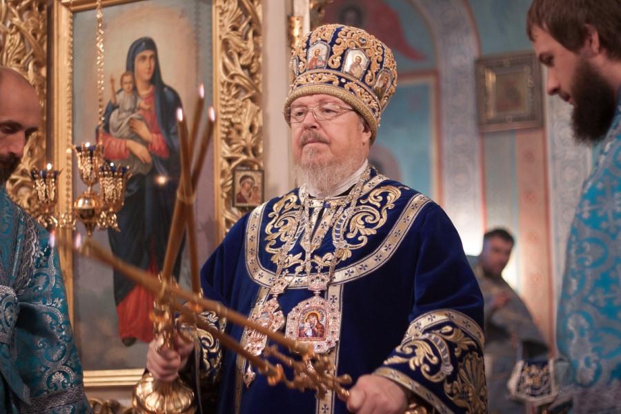 Служение митрополита Пантелеимона в Казанском кафедральном соборе