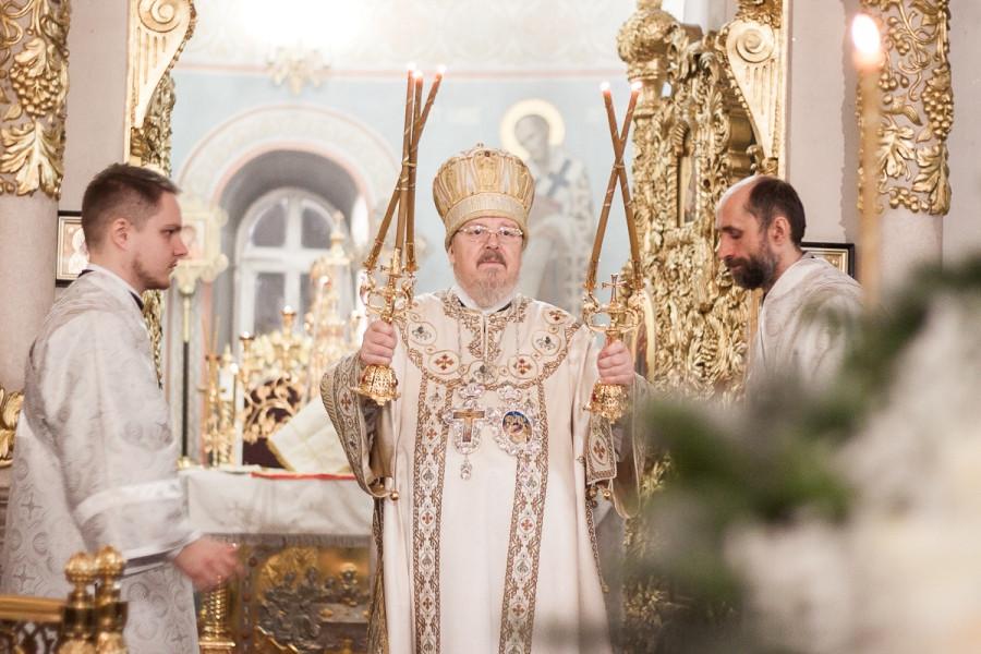 Митрополит Пантелеимон за Литургией, Рождество Христово, 2017