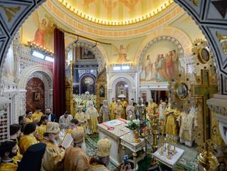 Торжественное богослужение в день 70-летнего юбилея Святейшего Патриарха Кирилла