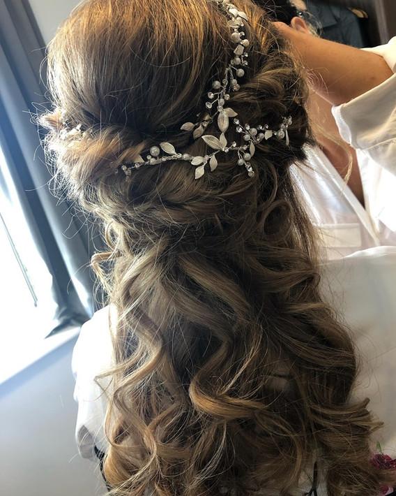 wedding curls with flowers 2.jpg