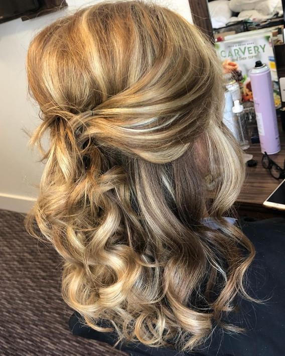 blonde wedding curls.jpg