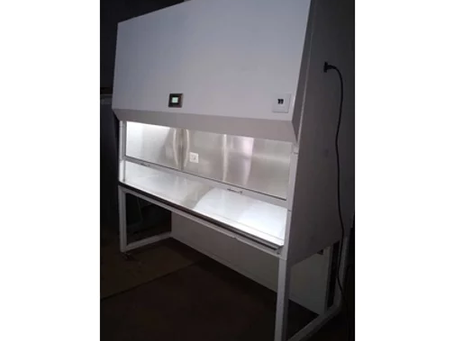 Practice work precaution for laminar airflow
