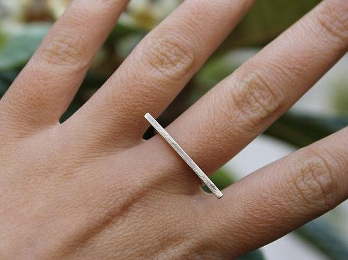 Anello barra lunga in argento 925