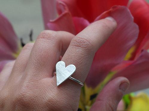 Anello cuore pieno grande in argento 925