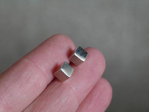 Orecchini a cubo in argento 925
