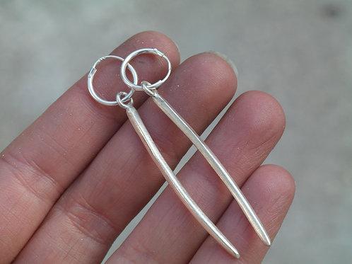 Orecchini a cerchio con pendenti lunghi in argento 925