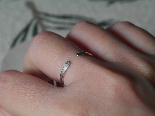 Anello aperto semplice in argento 925