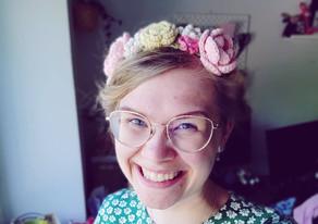FLOWER HEADBAND | MIDSOMMARKRANS | free crochet pattern | gratis virkmönster