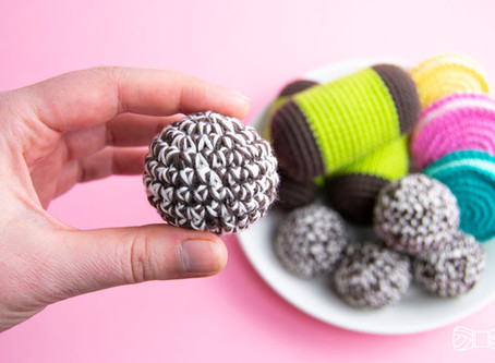 CHOCOLATE COCONUT BALLS | Free beginner friendly crochet pattern