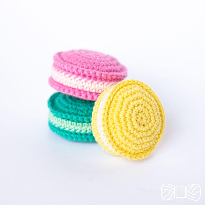 Crochet macarons free pattern