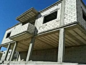 بيت عظم في الزرقاء حي نصار طابق 160 م وتسويه 80 م للبيع من المالك