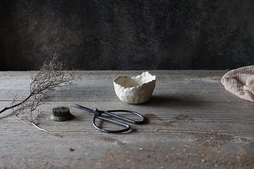 Natural white rustic bowl