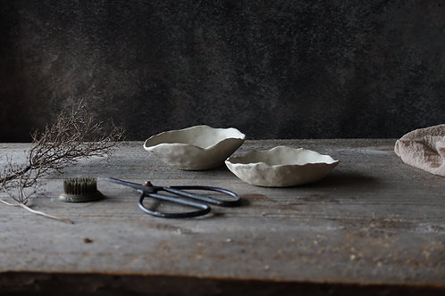 2 pcs natural white bowls