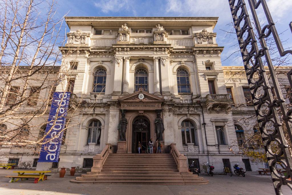 Facultad_de_Medicina,_Montevideo_25