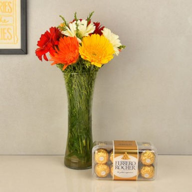 Assorted Daisies in Vase and Ferrero Rocher Box Combo