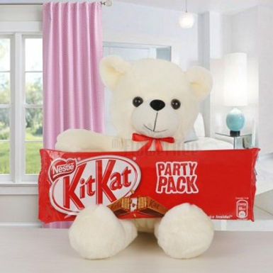 KitKat Party Pack with Teddy Combo