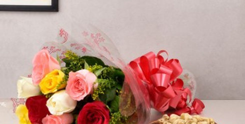 Assorted Roses Bouquet and Dry Fruits Combo