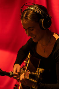 Agnes Persson, guitar