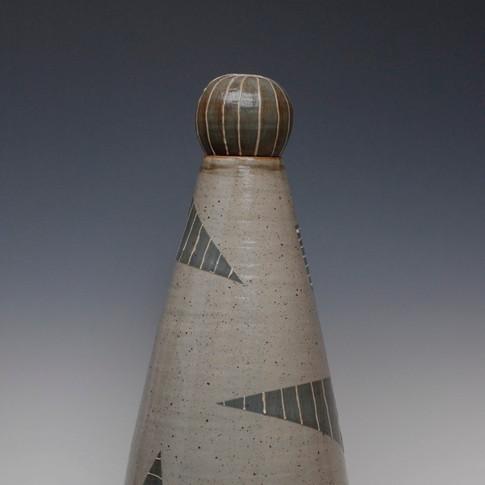 Geometric patterned vessel