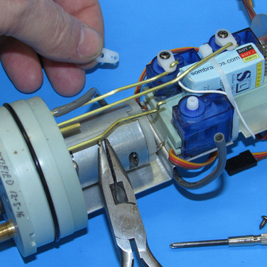 Installation of servo linkages