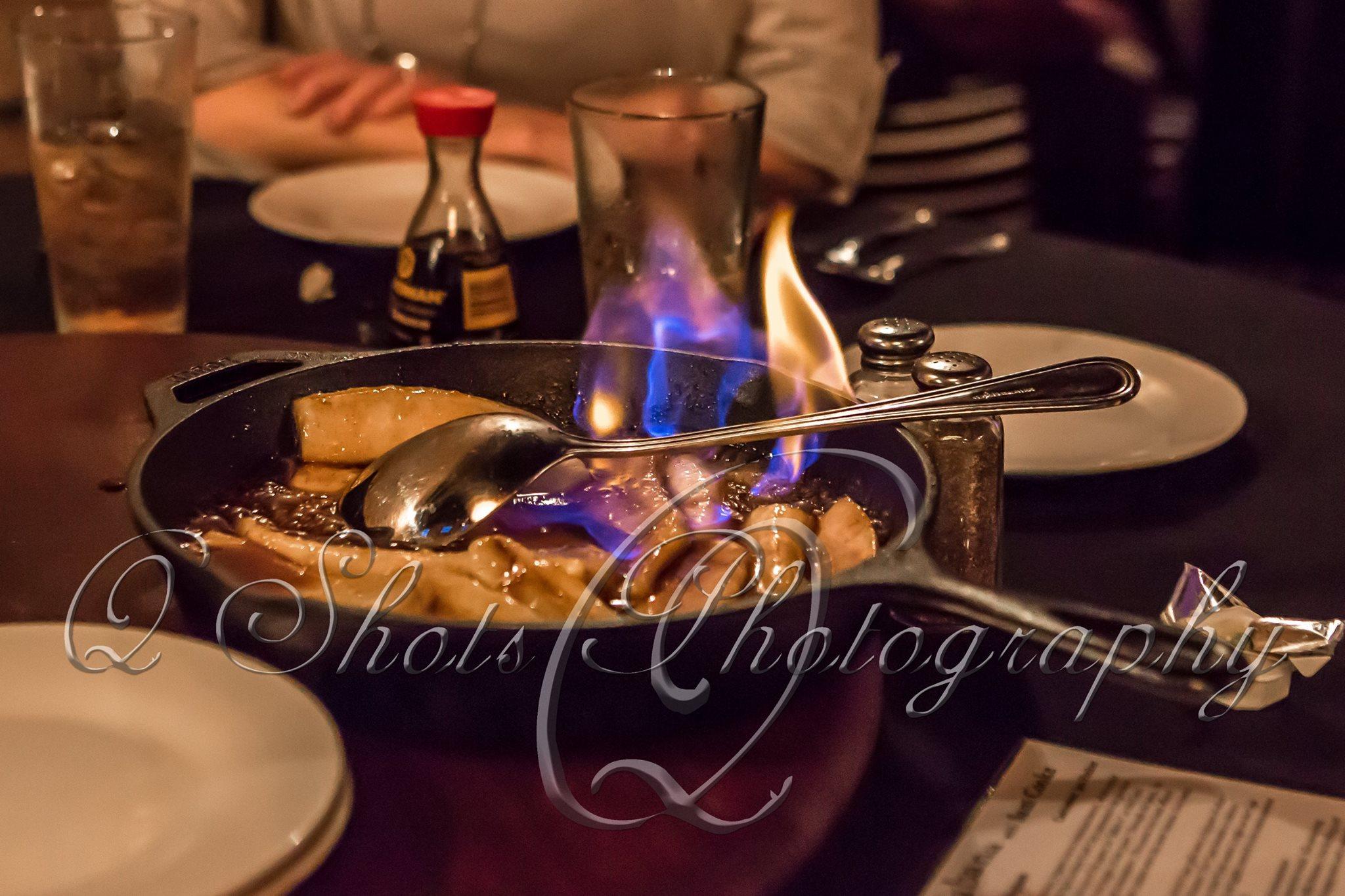 SouthernBroadway_DinnerTheater_AnEveningAtTheCopa_FlambeedBananasFoster.jpg