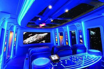 Home cinéma à décoration futuriste