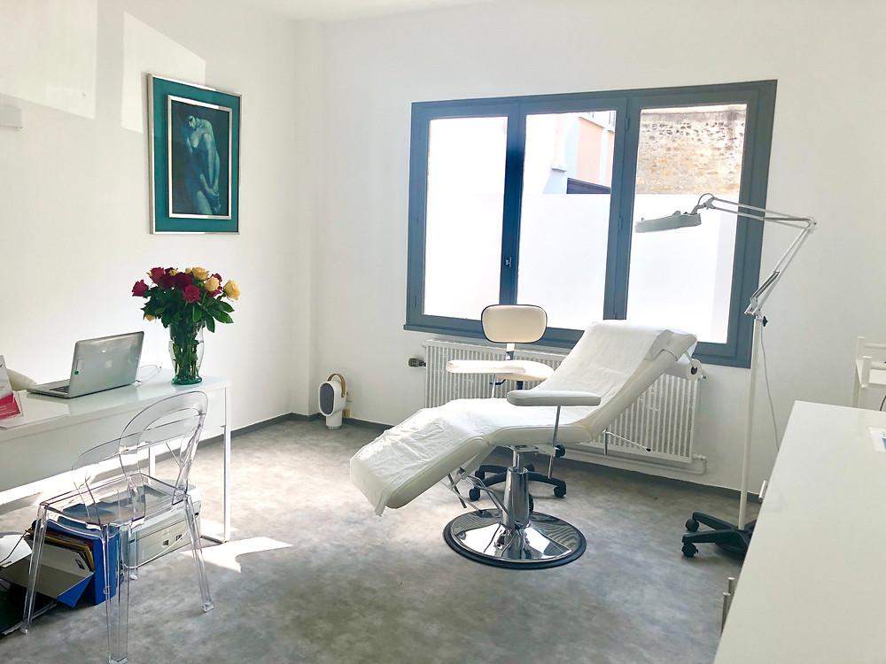 La salle de soin de Dermo Clinic au Mans