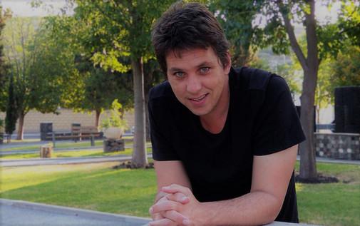 Carlos Alonso.jpg