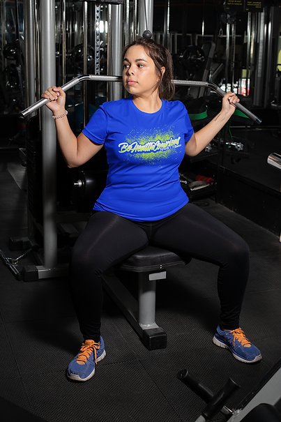plus-size-t-shirt-mockup-featuring-a-woman-doing-pull-downs-at-a-gym-30144.png