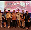 IndustryForum-Bdg1-fix.jpg