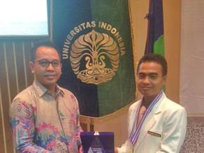 Dexa Award untuk Apoteker Terbaik Unpad dan UI