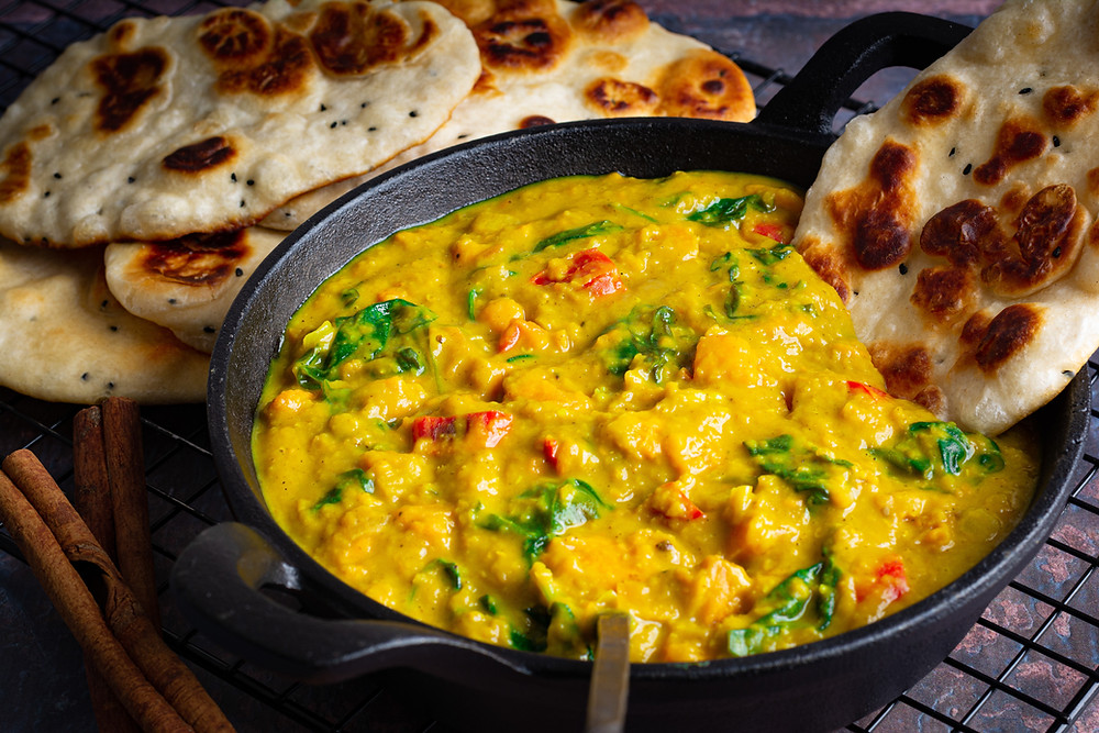 Sri Lanka Palak Dhal (Lentil and Spinach) with Naan Bread