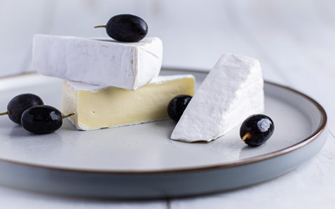 Brie & Grapes