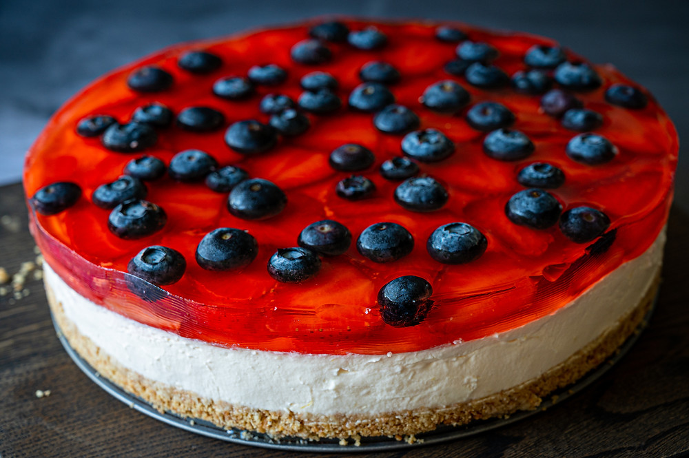 Jelly Cheesecake with Berries