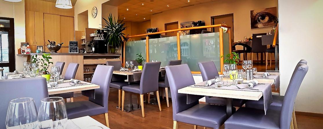 Salle du restaurant l'Aromatic en Bretagne