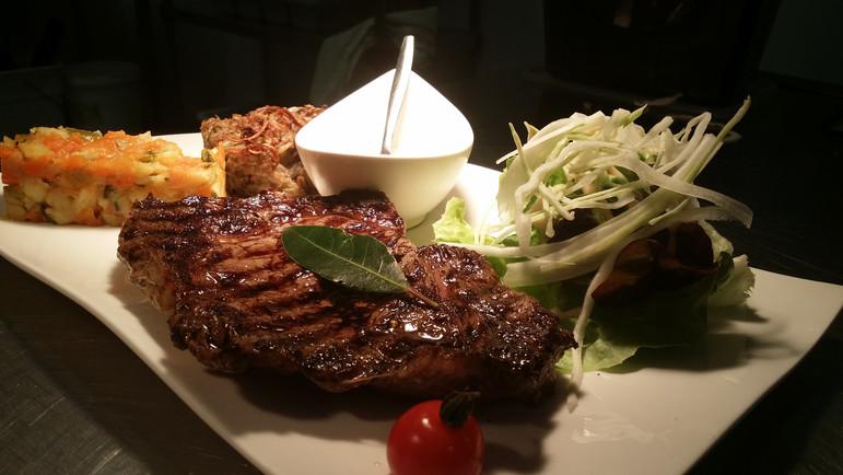 Plat bistronomique de l'Aromatic - Restaurant à Ploeuc-l'Hermitage