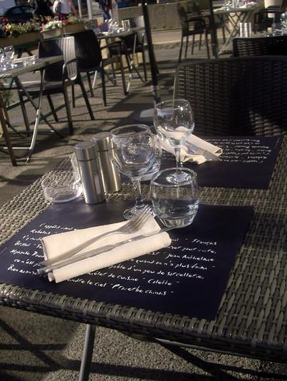 Table du restaurant bistronomique l'Aromatic à Ploeuc-l'Hermitage