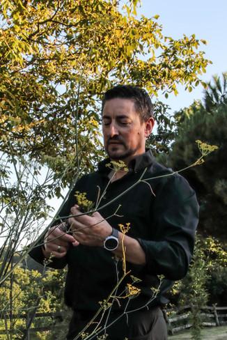 Christophe Sagory dans son jardin - Chef cuisinier de l'Aromatic