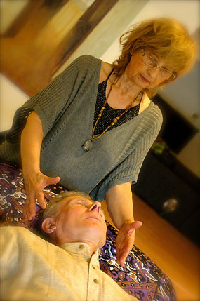 reiki session, healing attunement, aura cleansing, EFT, Eva Arciszewski
