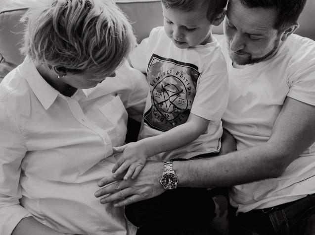 Professional maternity photographer St.