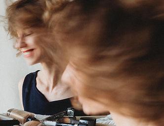 Viktoria Gebei-Tari photographer Story o