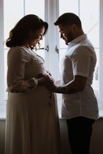 professional maternity photographer hatf