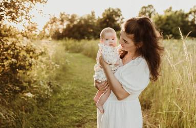 Newborn photographer Hertfordshire.jpg