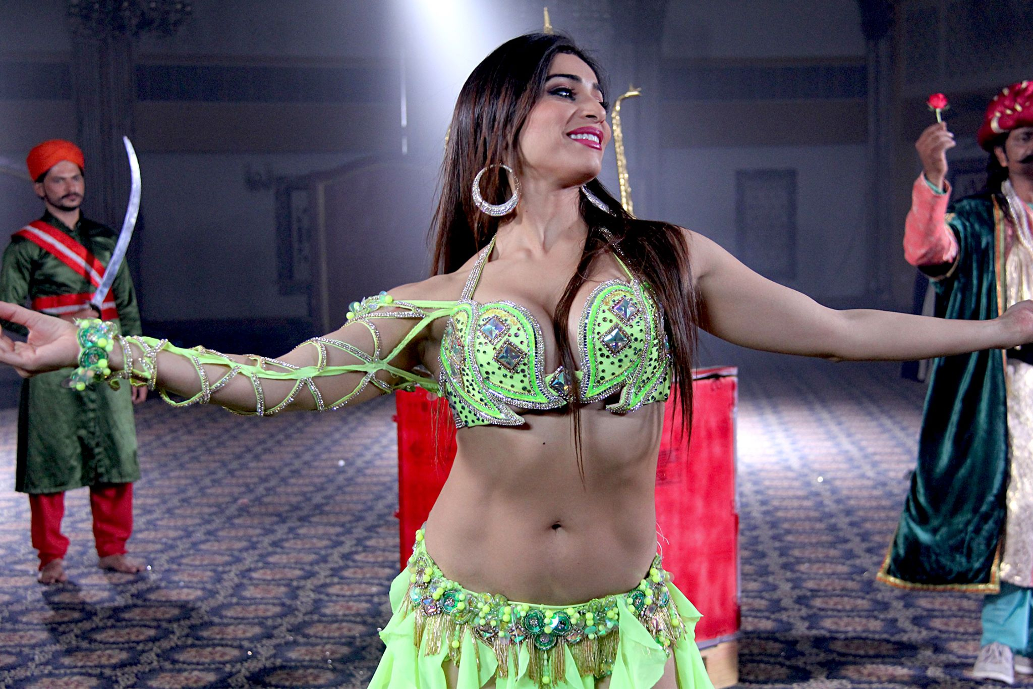Najla belly dance photo pakistan yellow 2.jpg