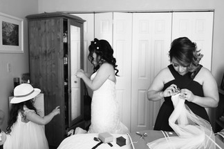 Edmonton-wedding-photographer-bride-gett